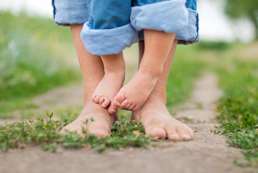 Bose stopy-dziecko i rodzic-pochwała